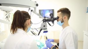 Implant dentaire en Moldavie Dentiste